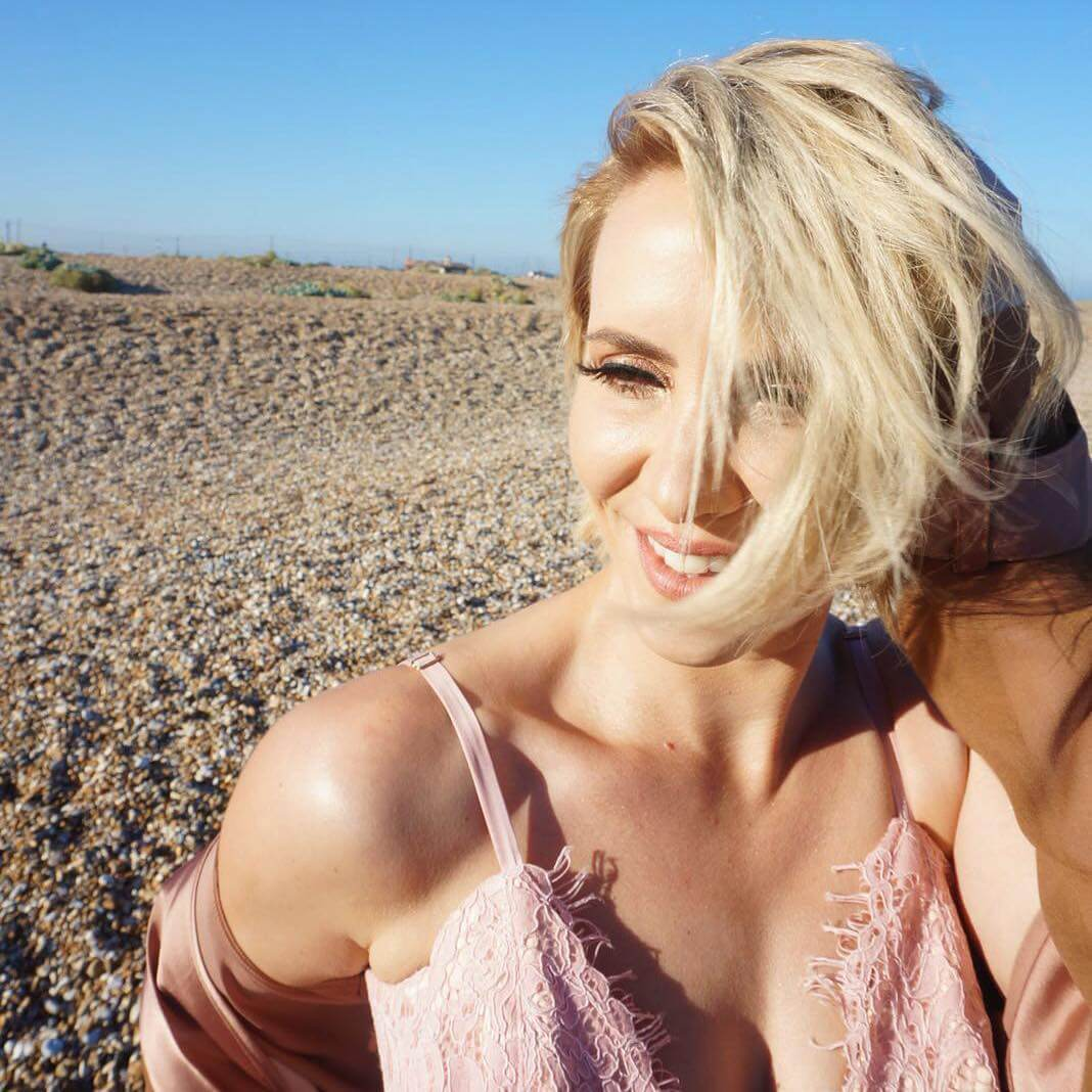 Claire Richards hot hairs
