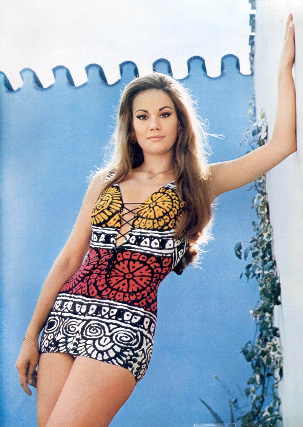 Claudine Auger awesome pics (2)