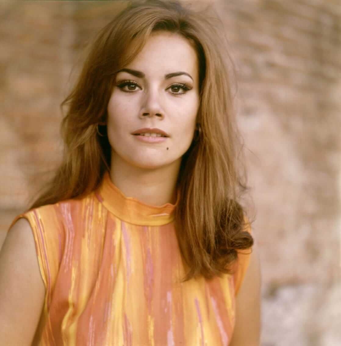 Claudine Auger sexy pic (2)
