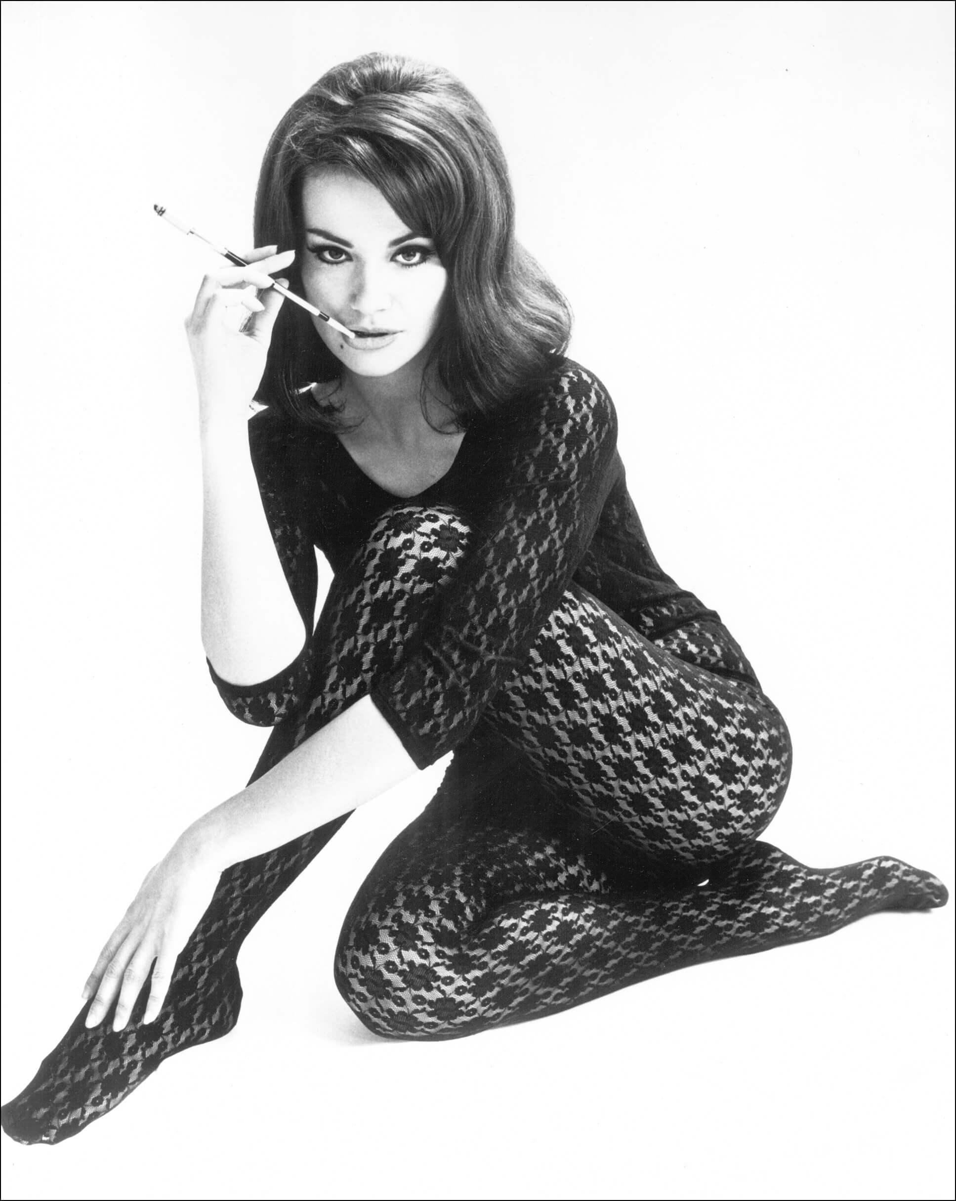 Claudine Auger sexy thighs