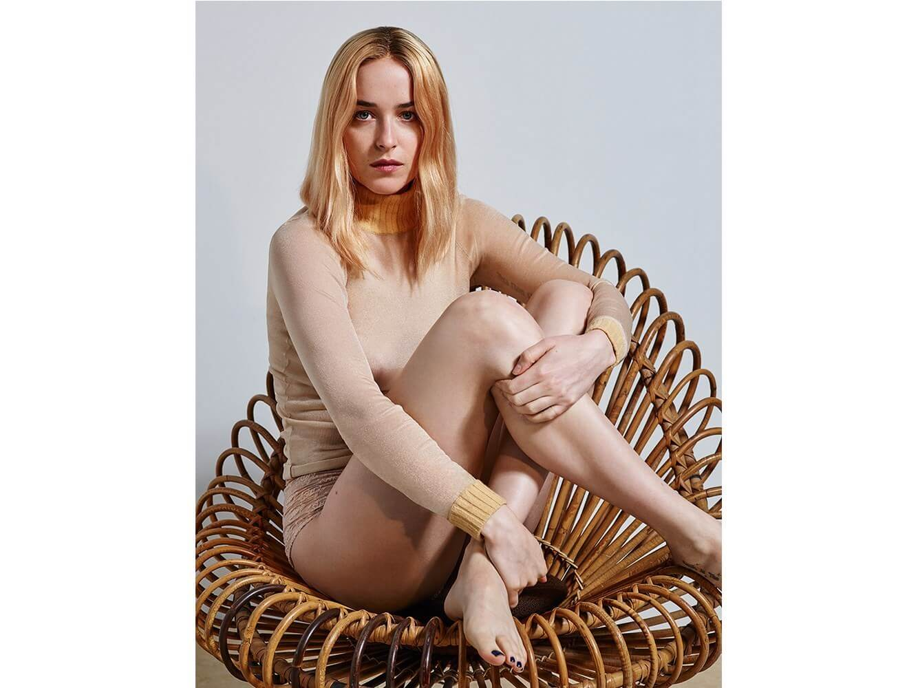 Dakota Johnson fet pic