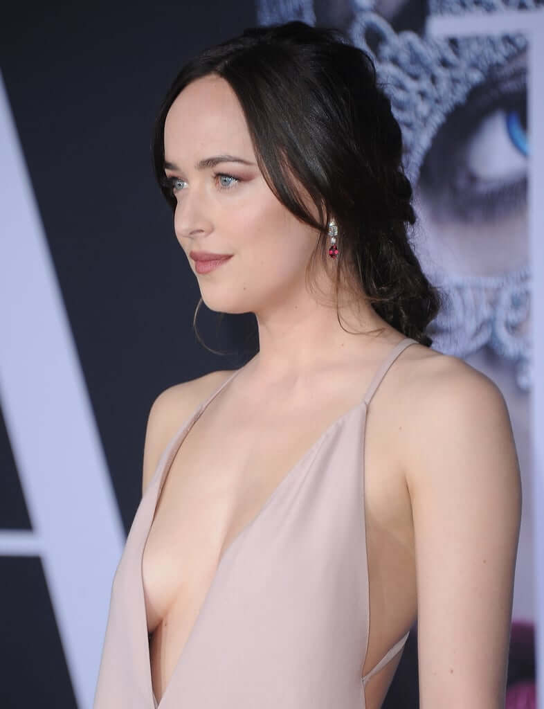 Dakota Johnson sexy cleavage pic