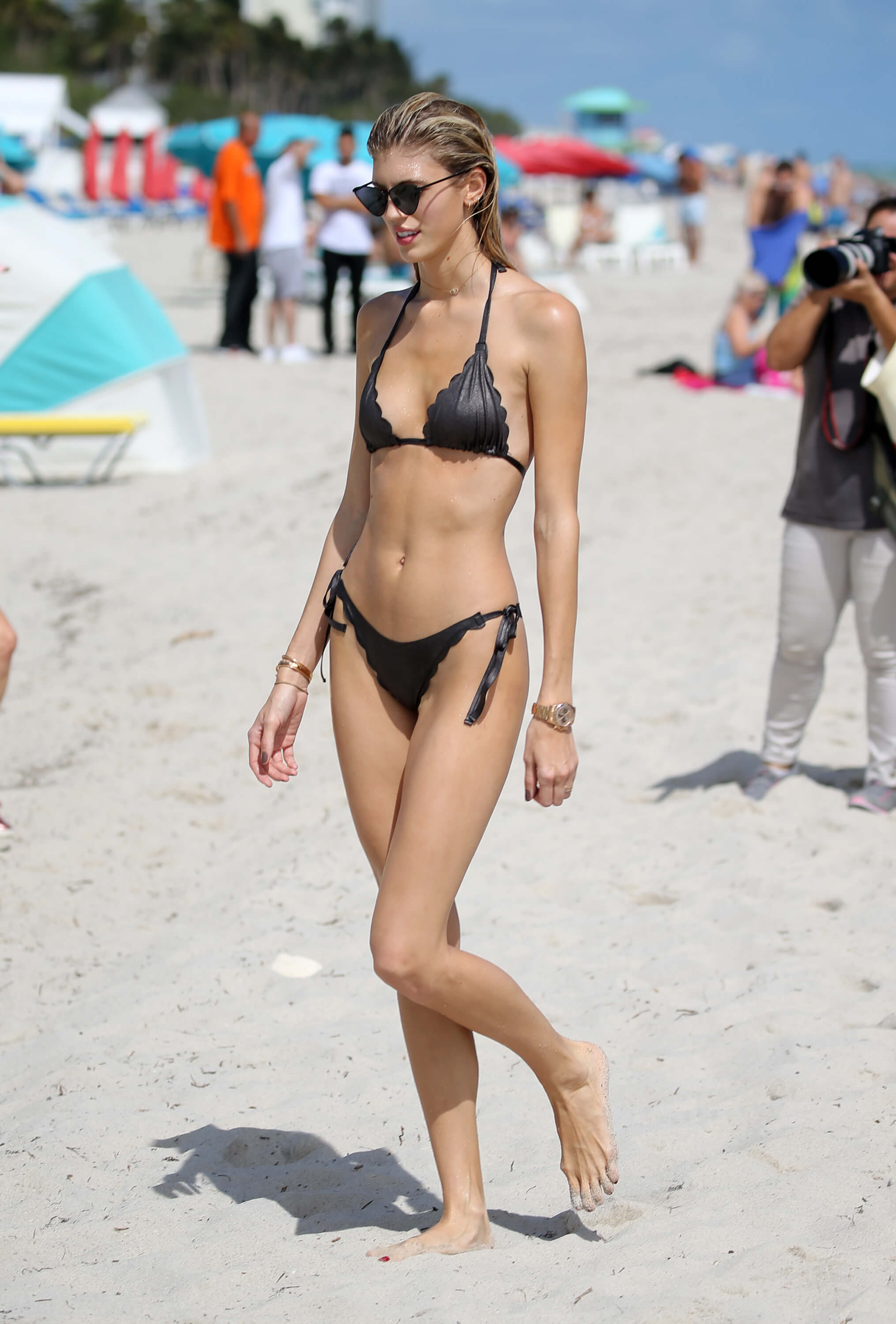 Devon Windsor black bikini photo