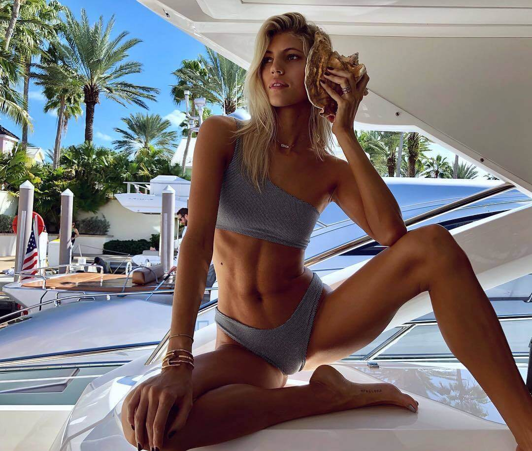 Devon Windsor sexy pictures