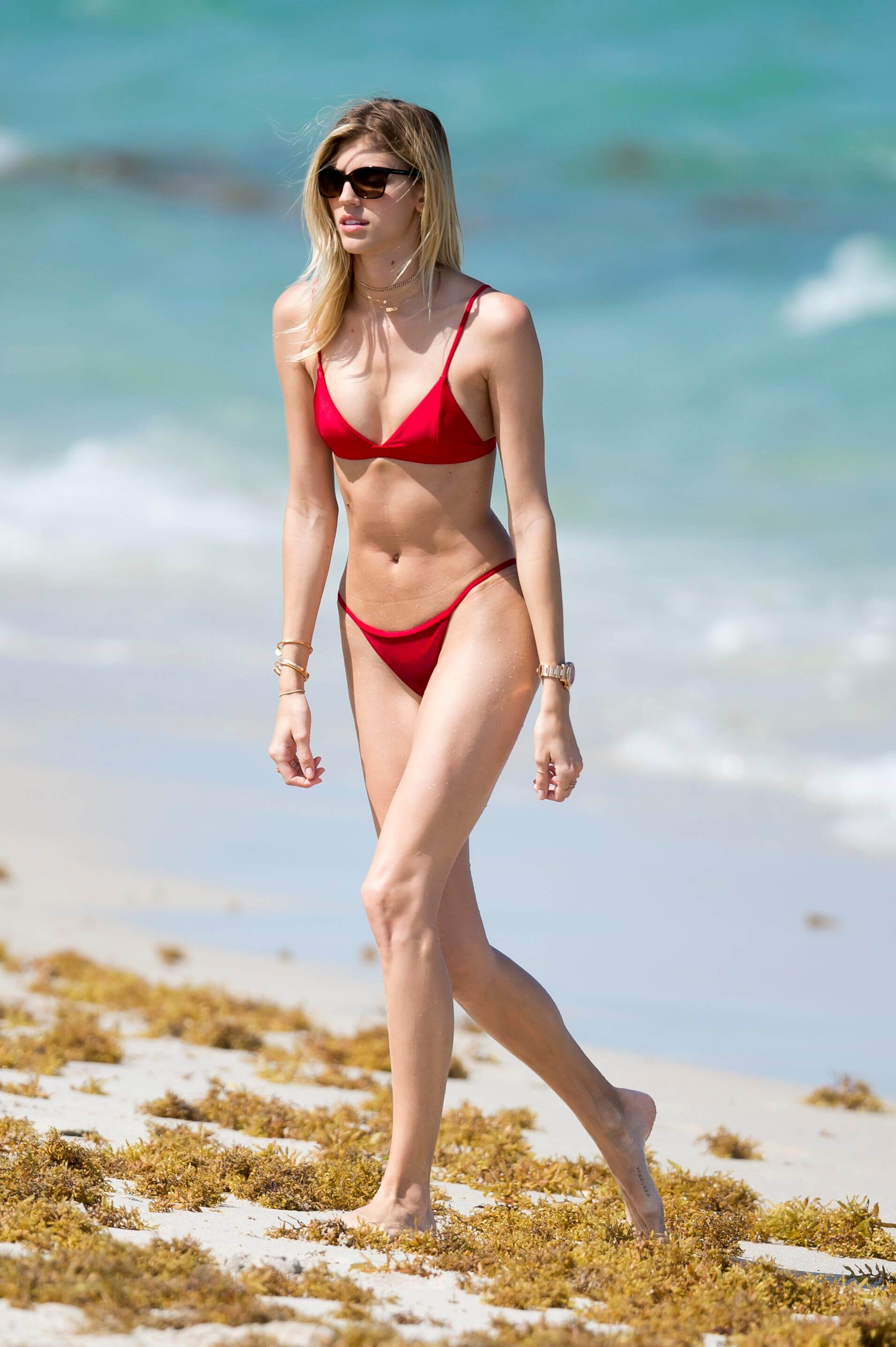Devon Windsor sexy red bikini