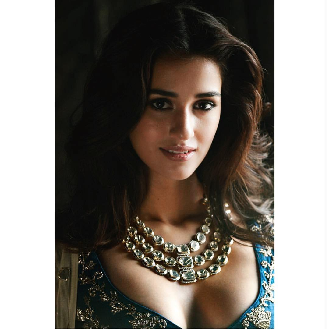 Disha Patani Sexy Boobs Pictures