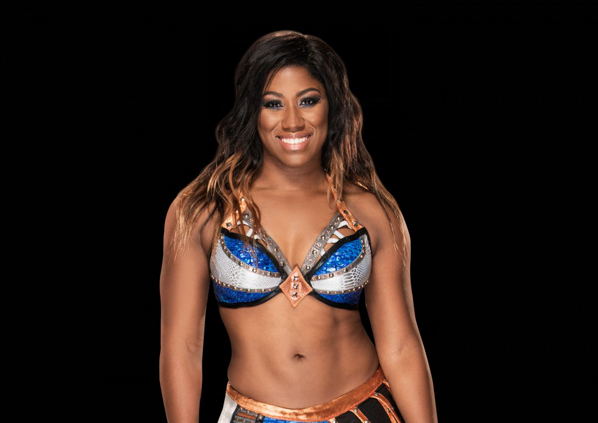 Ember Moon Sexy Boobs Pictures on Divas Dress