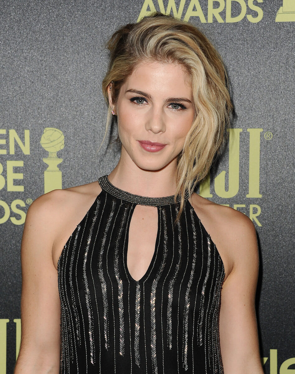 Emily Bett Ricards sexy cleavages photo