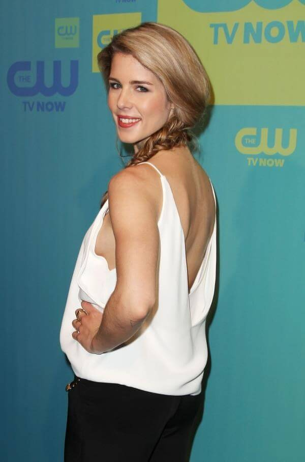 Emily Bett Ricards sexy pic