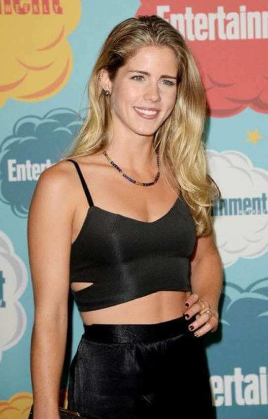 Emily Bett Ricards sexy side photo
