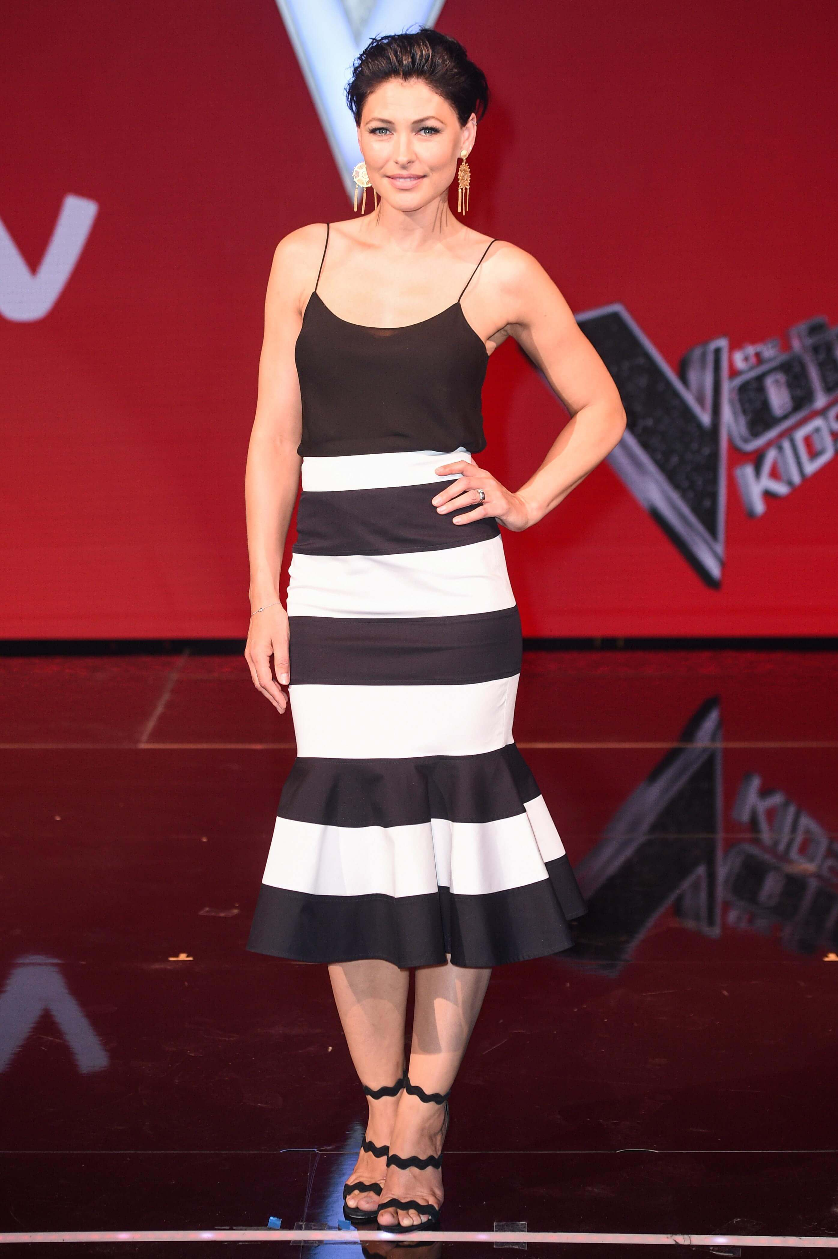 Emma Willis sexy cleavages (2)