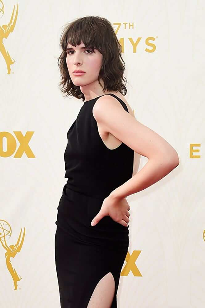 Hari Nef awesome picture
