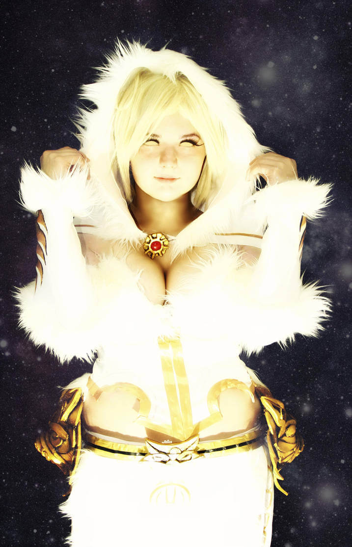 Hel Smite sexy look photo
