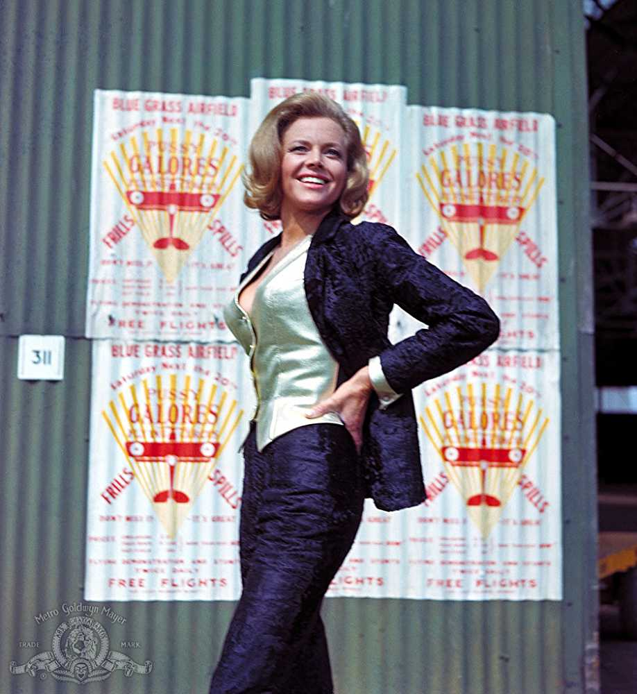 Honor Blackman Hot Photoshoot