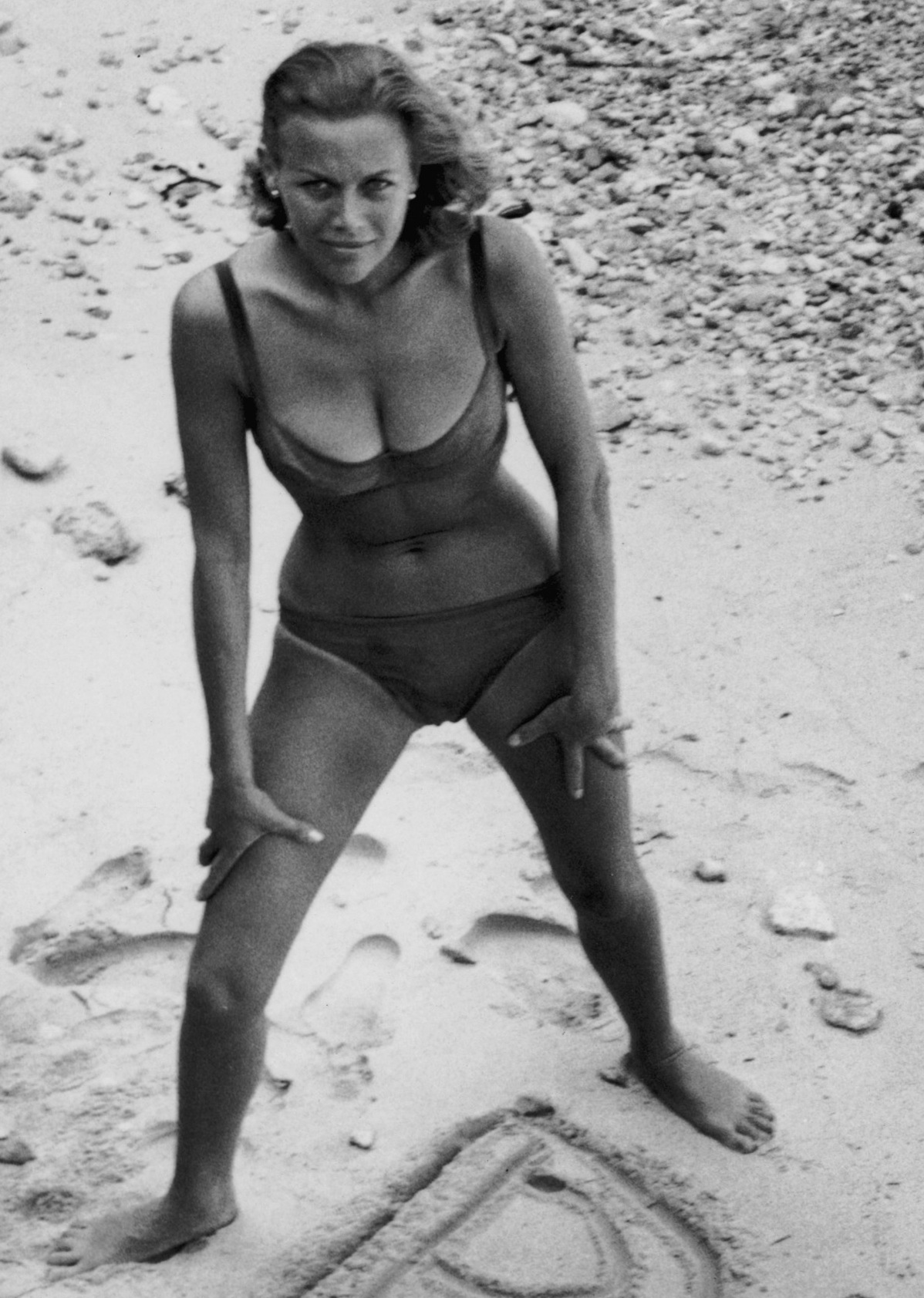 Honor Blackman Photoshoot Photo