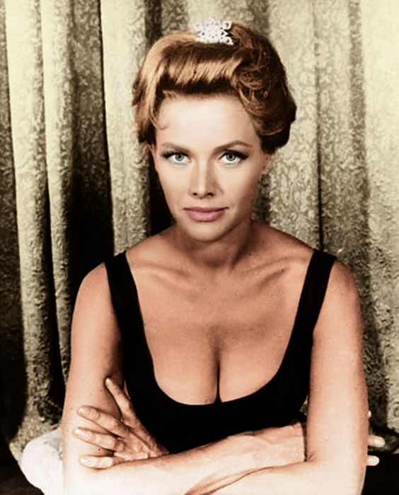 Honor Blackman Sexy Boobs
