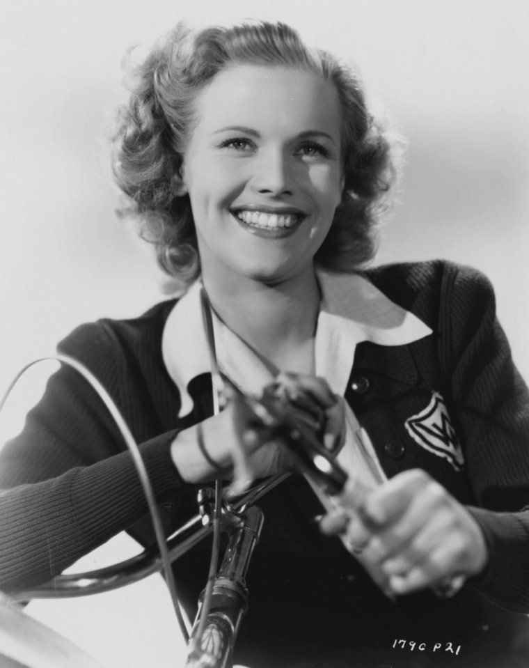 Honor Blackman Smile Pics