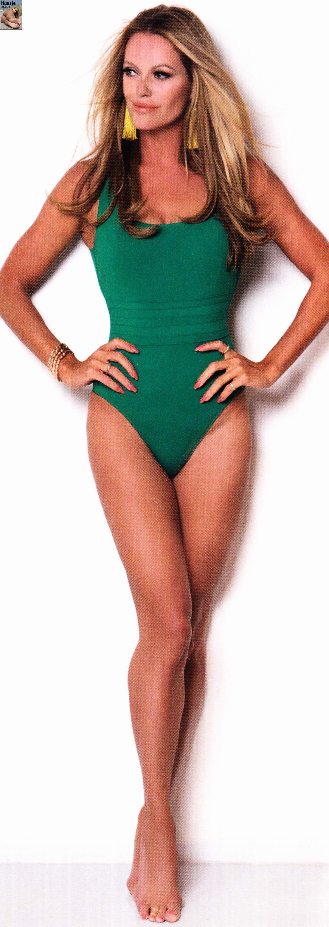 Inge De Bruijn green swimsuit