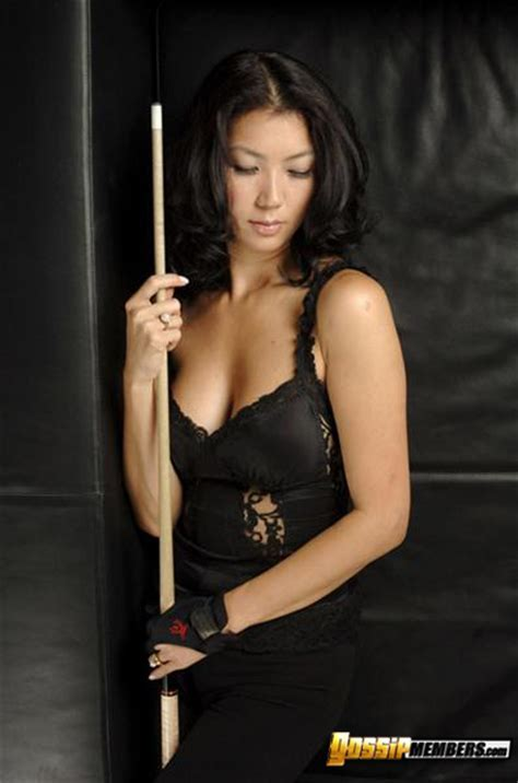 Jeanette Lee Hot Pics