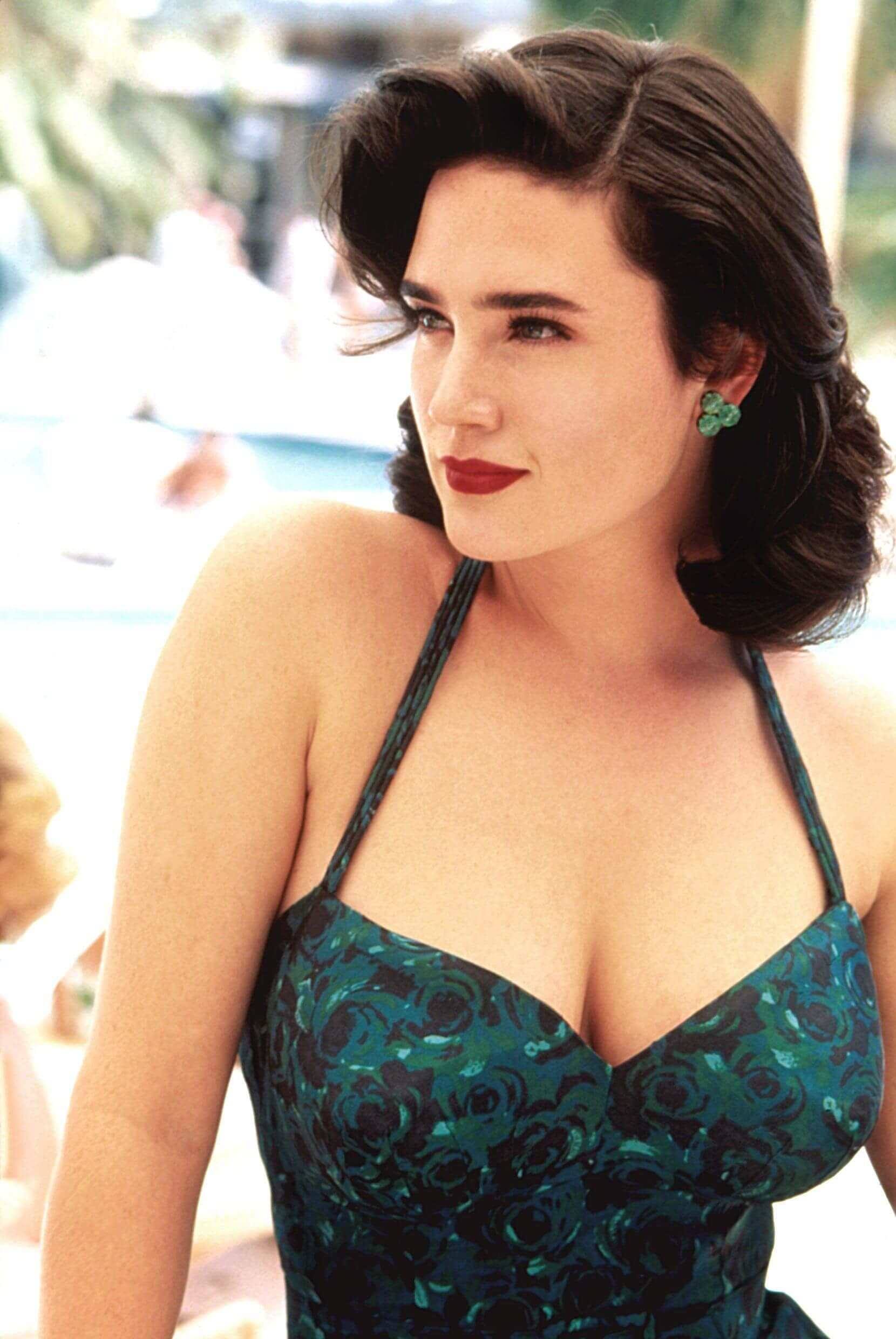 Jennifer Connelly hot cleavages