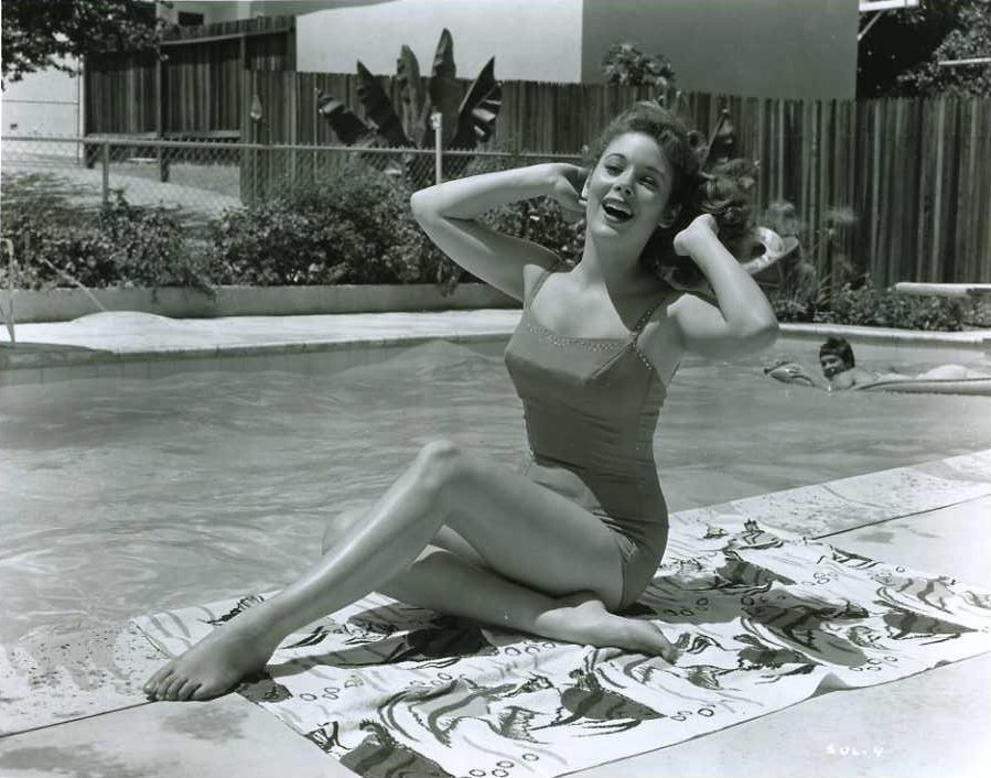 49 Hot Pictures Of Jill St. John Are Truly Work Of Art