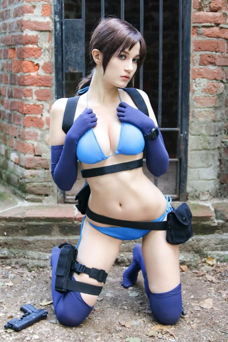 Jill Valentine awesome cleavages