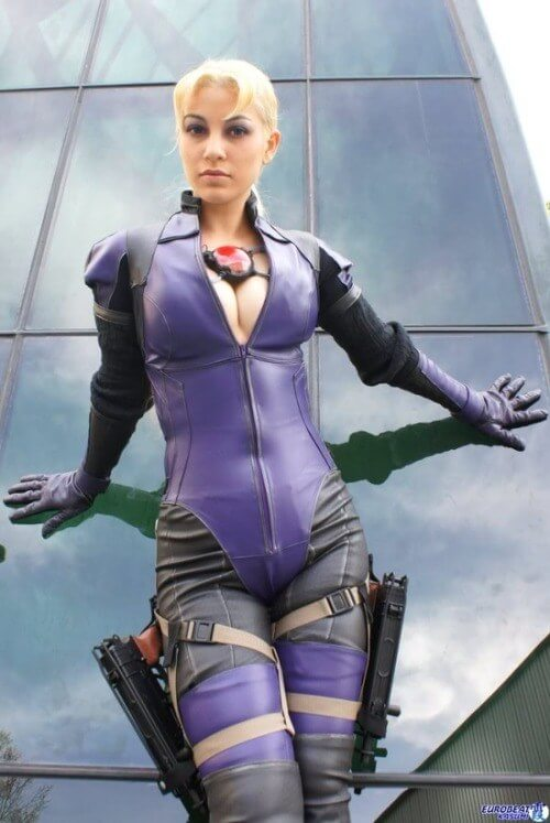 Jill Valentine cleavages hot