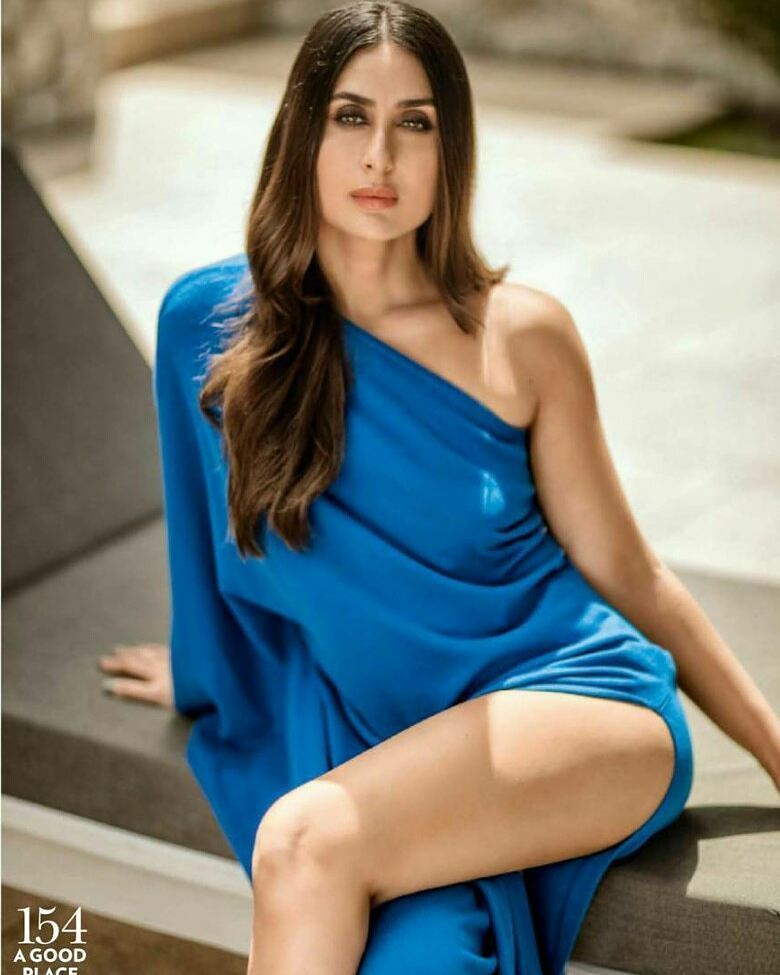 49 Sexy Kareena Kapoor Boobs Pictures Which Are Stunningly -8325