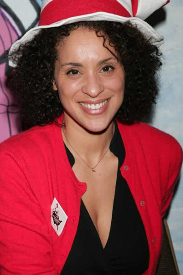 Karyn Parsons sexy cleavage