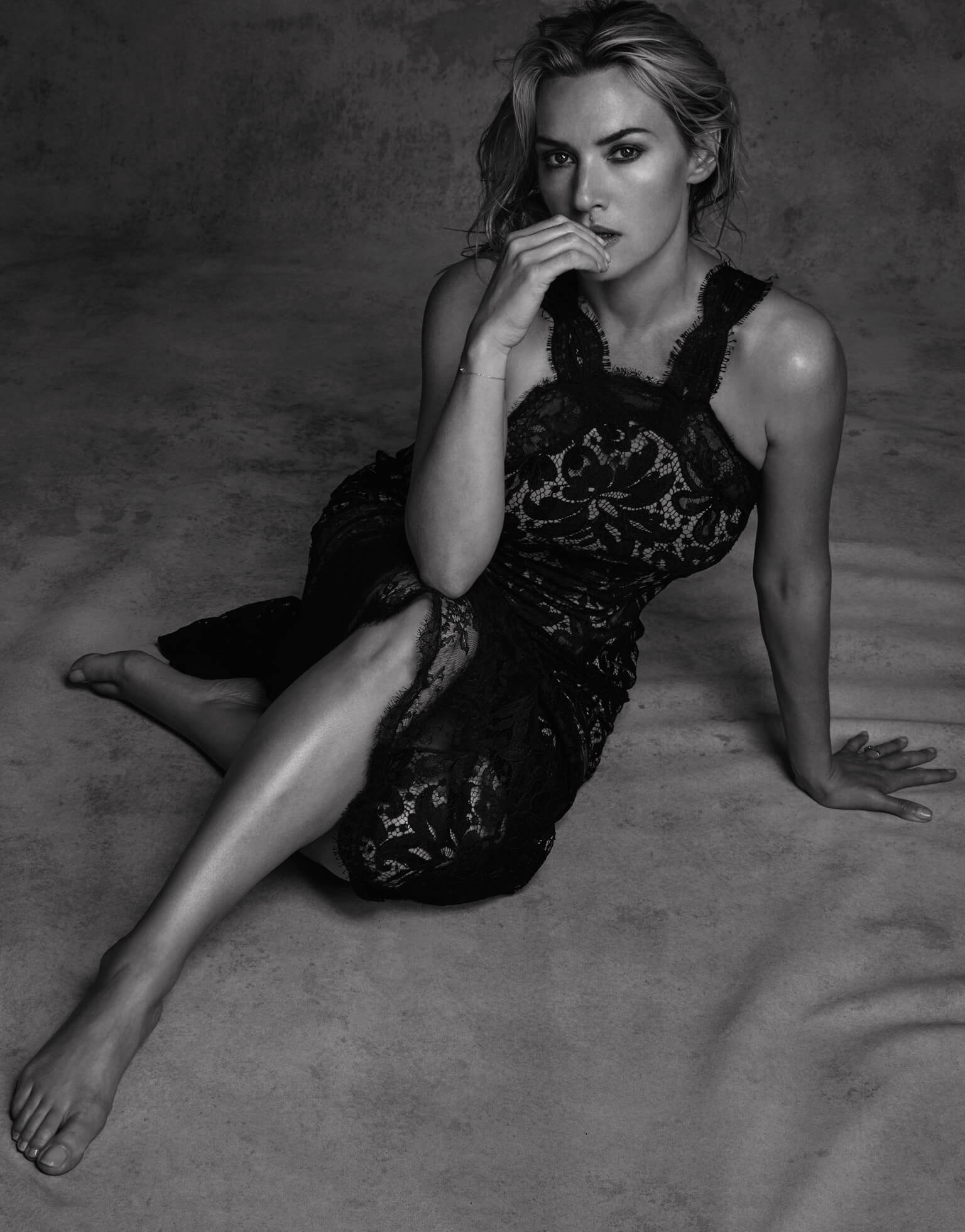 Kate-Winslet legs sexy (2)