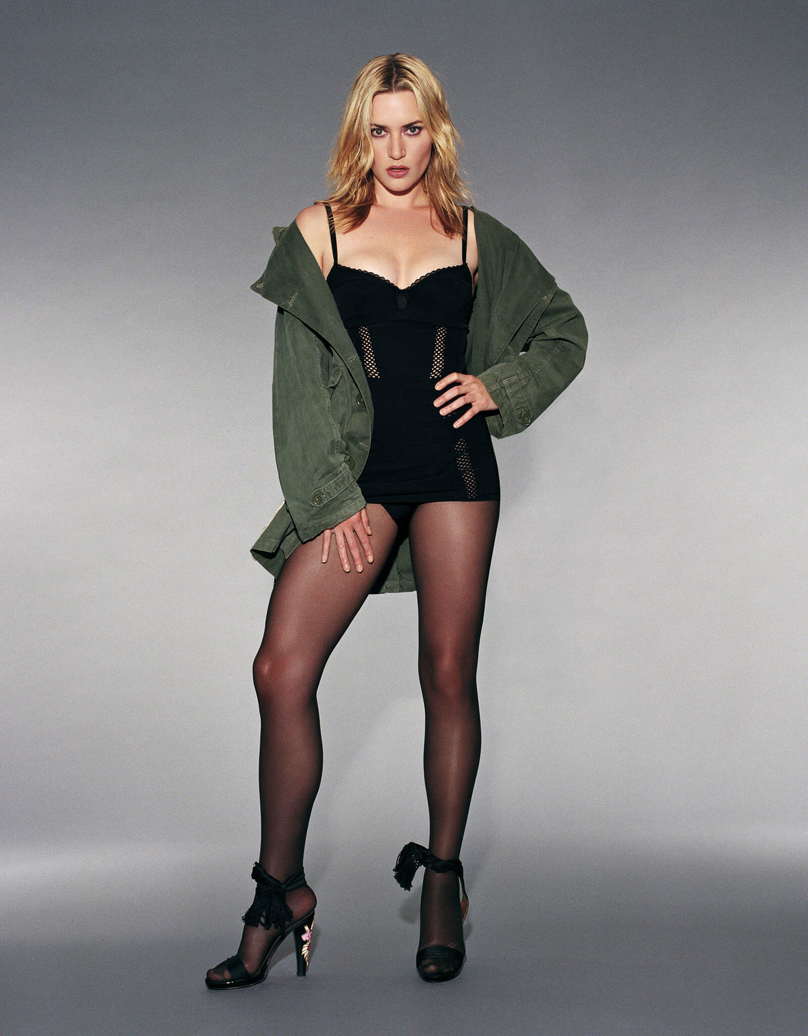 Kate-Winslet sexy legs [pics