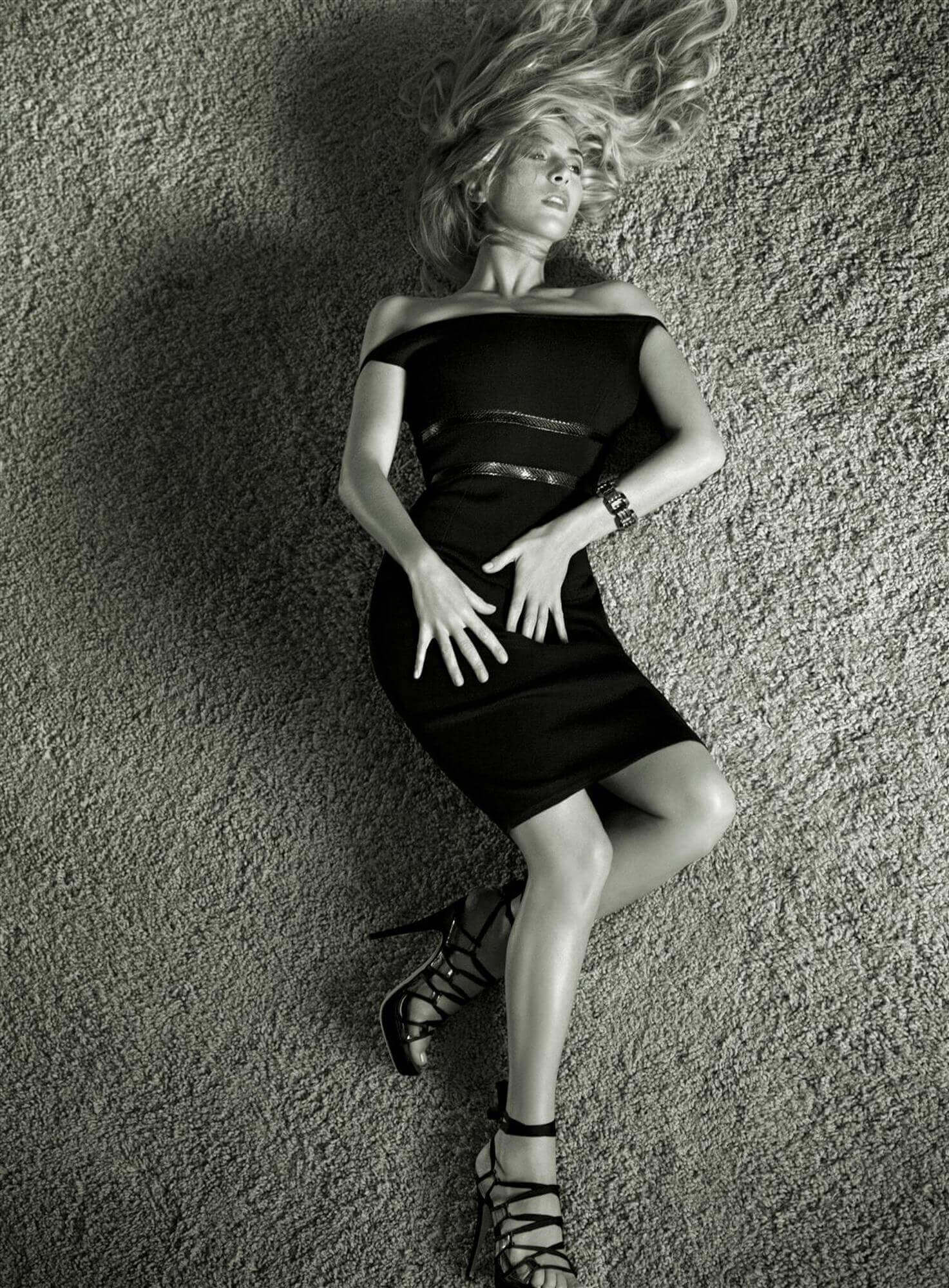 Kate-Winslet-thighs-pic
