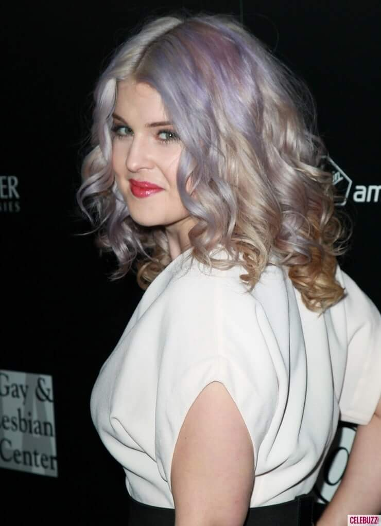 Kelly Osbourne hot side pics (2)