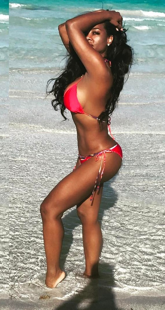 Kenya Moore Hot in Bikini