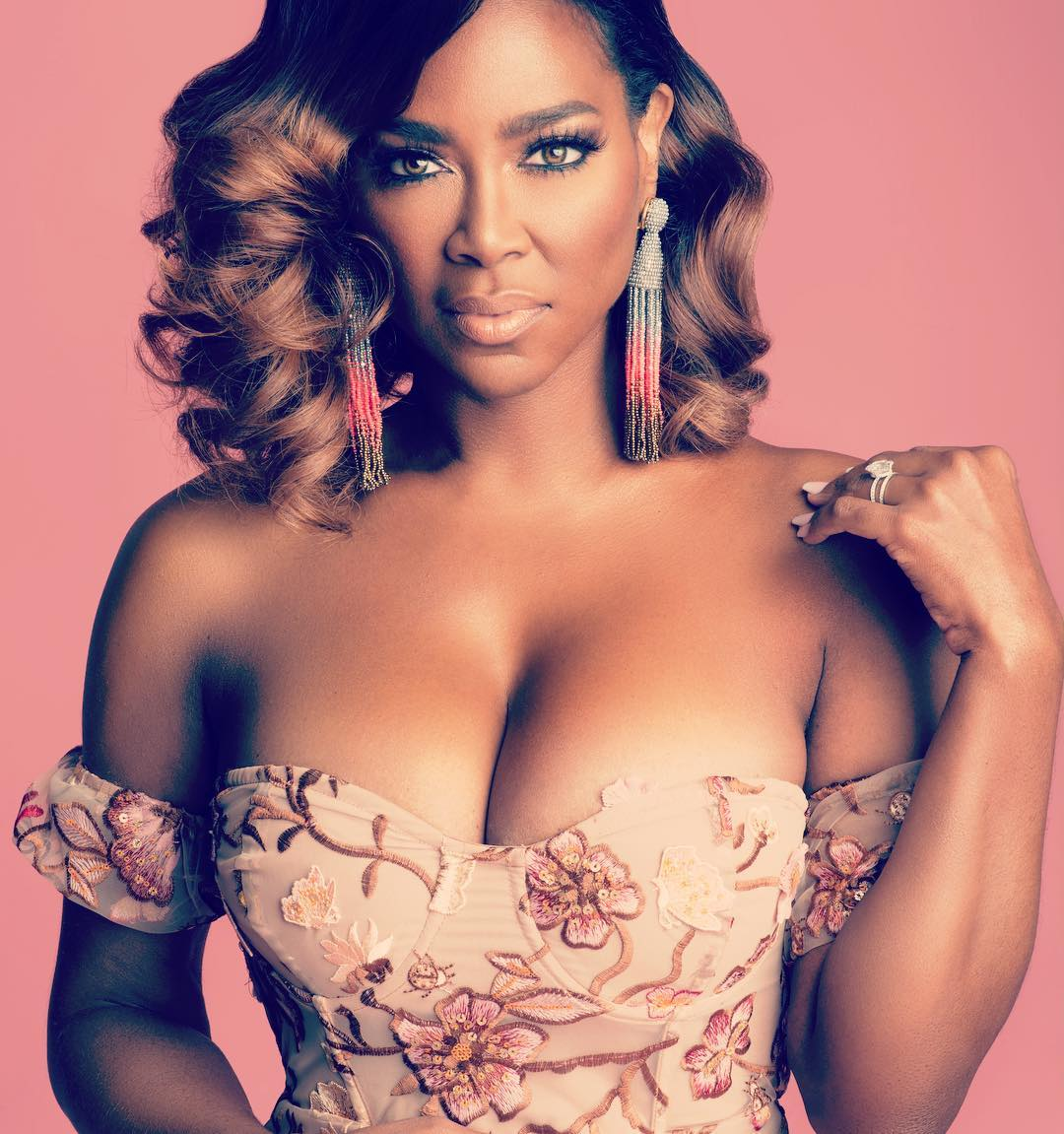 Kenya Moore Sexy Big Boobs