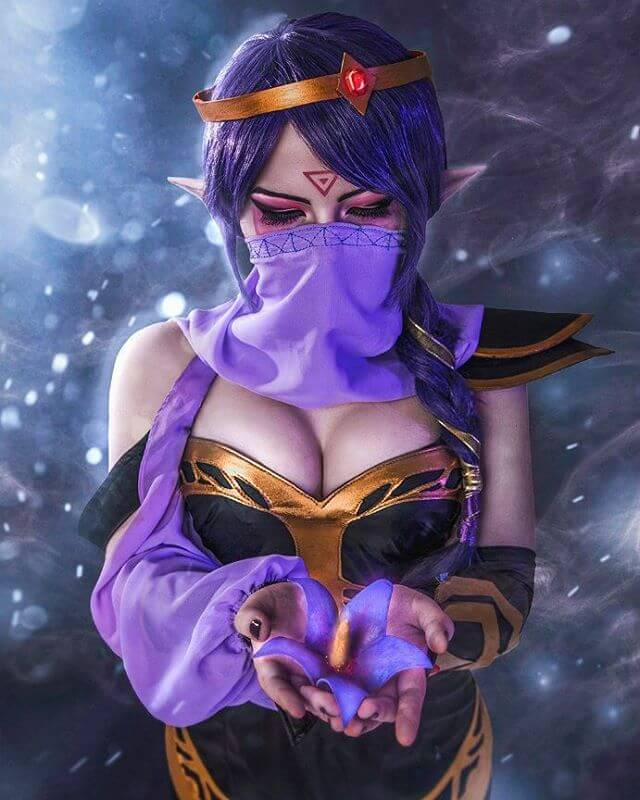 Lanaya Templar Assassin cleavage phootos