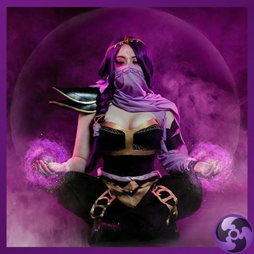 Lanaya Templar Assassin hot cleavage pic