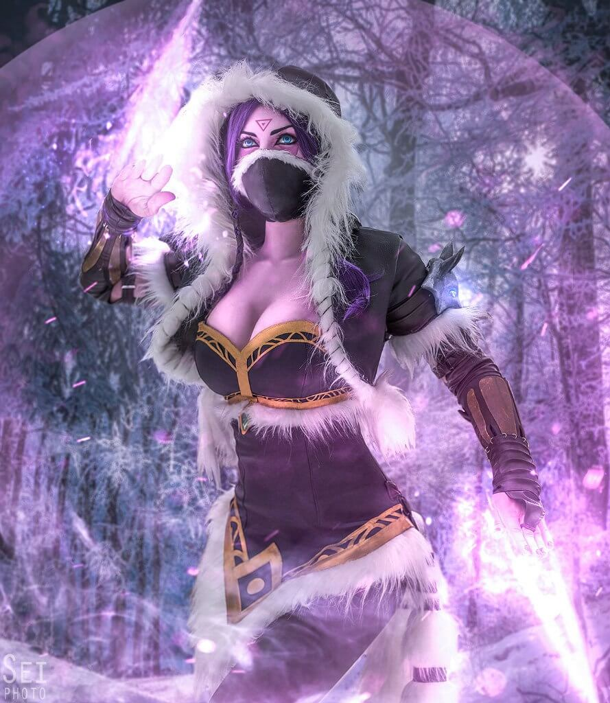 Lanaya Templar Assassin sexy cleavage look