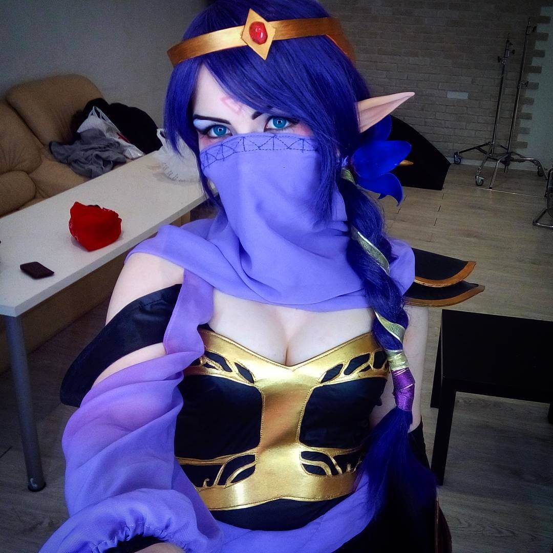 Lanaya Templar Assassin sexy cleavage