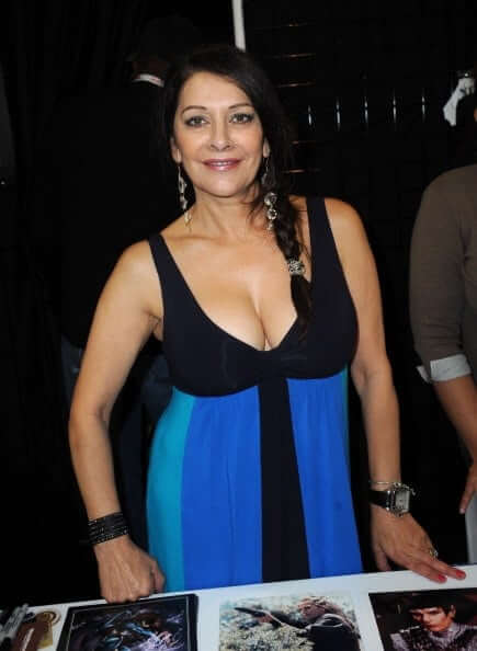 Marina Sirtis cleavage photo