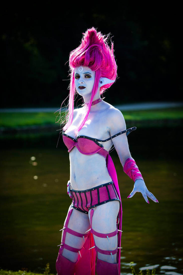 Masquerade Evelynn hot picture (3)