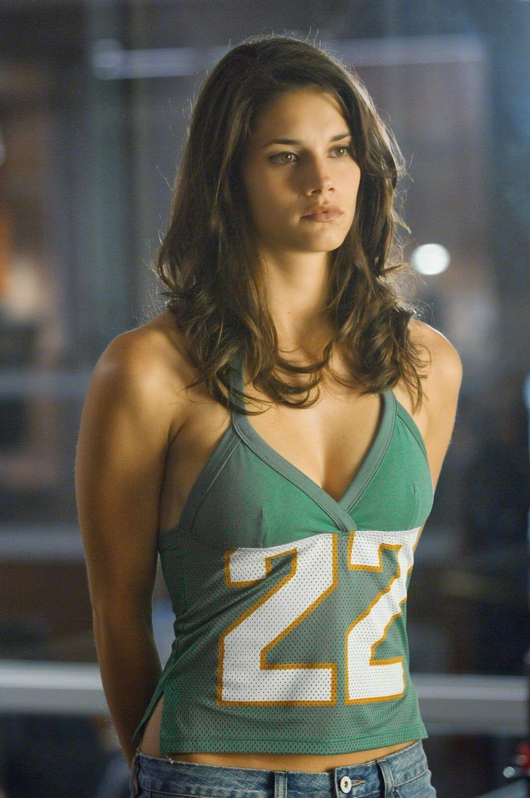 61 Hot Pictures Of Missy Peregrym Which Prove She Is The Sexiest
