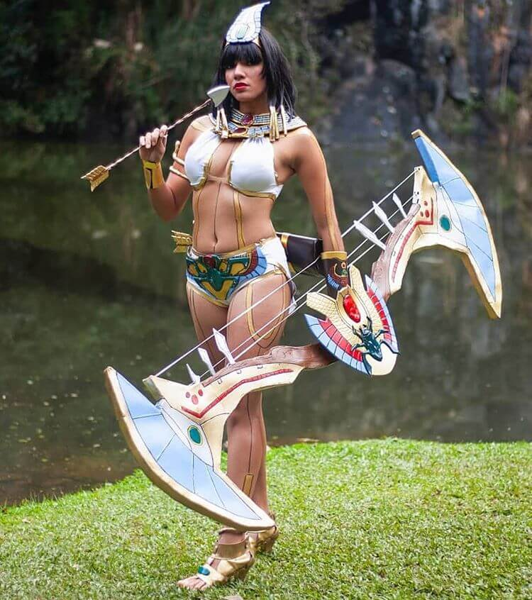 Neith Smite sexy busty pictures (4)