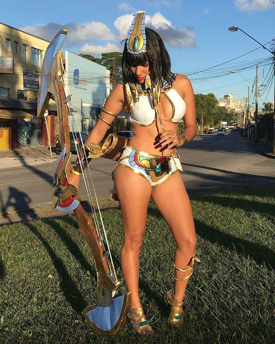 Neith Smite sexy side photo
