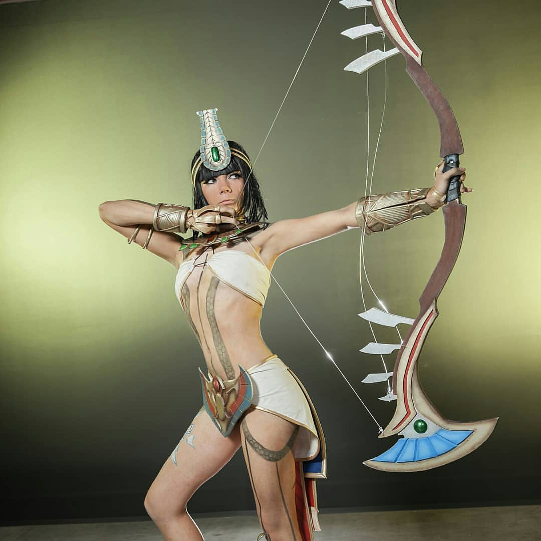 Neith Smite sexy side pictures (2)