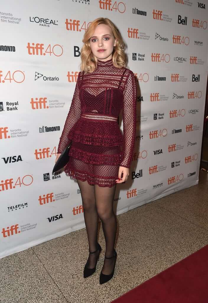 Odessa Young awesome pics