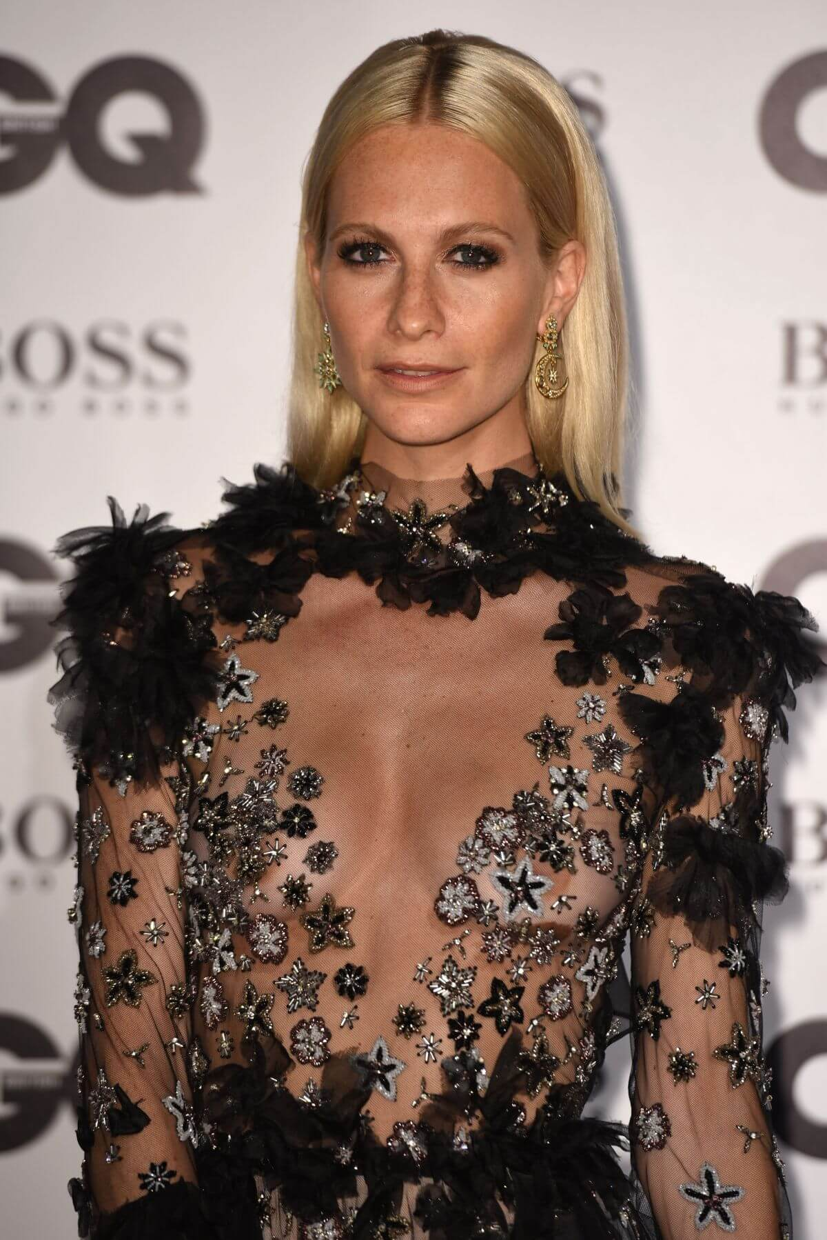 Poppy Delevingne cleavage pic