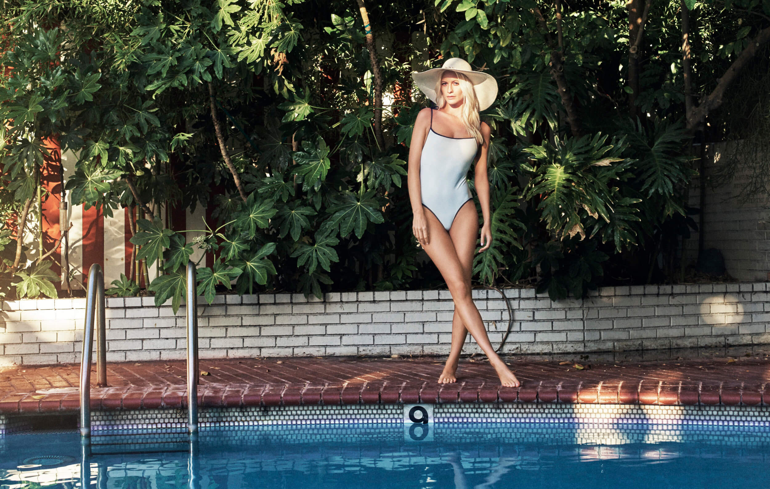 Poppy Delevingne feet photo