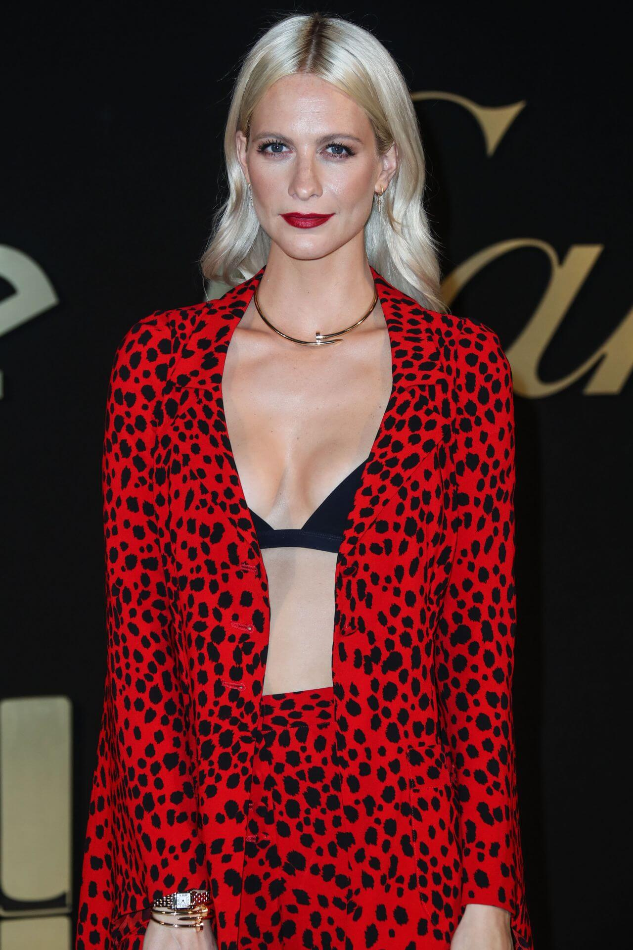 Poppy Delevingne sexy cleavage pic