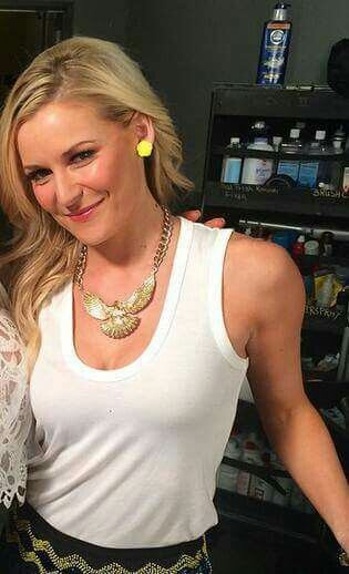 Renee Young hot booty pictures